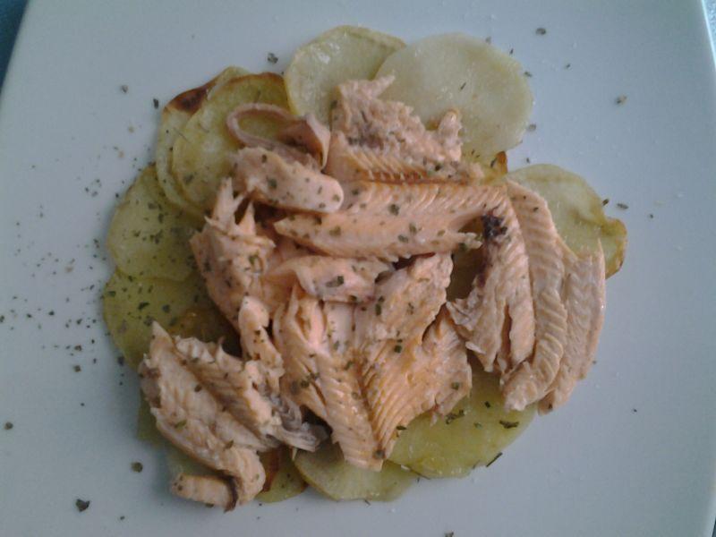 trota-salmonata-patate-forno
