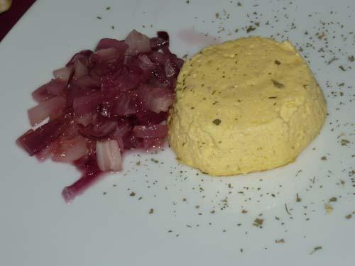 Sformato di parmigiano con cipolle rosse di Tropea